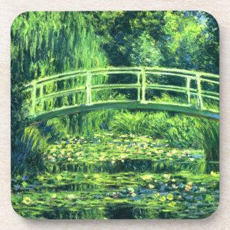 Claude Monet: Puente sobre una charca de los lirio Posavasos