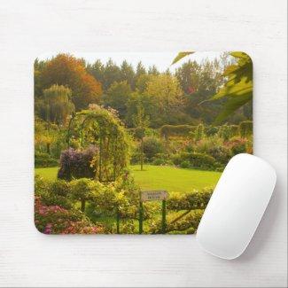 Claude Monet's garden, beautiful garden scene Mouse Pad