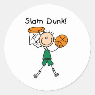 Clavada del baloncesto de los muchachos pegatina redonda