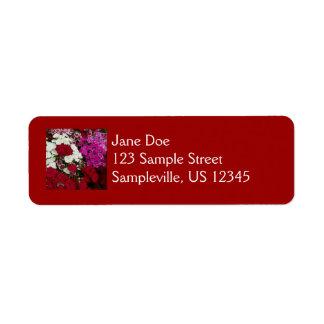 Clavel blanco, rosado y rojo floral etiqueta de remite