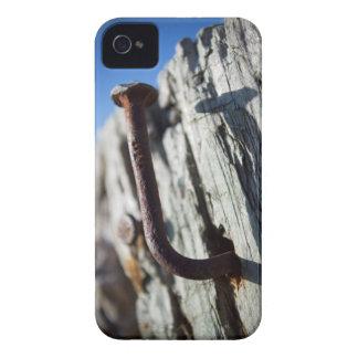 Clavo doblado en el Sun Carcasa Para iPhone 4 De Case-Mate
