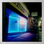Clavos afortunados - azul fresco en la noche posters