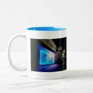 Clavos afortunados - azul fresco en la noche taza de dos tonos