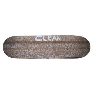 Clean 'Tailgate Talk' Skateboard