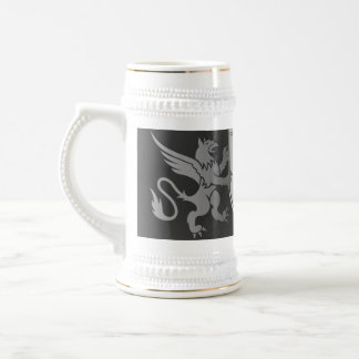 Clef on a decorative shield 18 oz beer stein