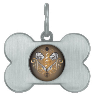 Clef with piano pet tag