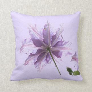 Clematis púrpura hermoso almohadas