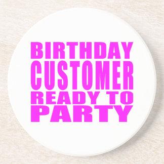 Clientes Cliente del cumpleaños listo para ir de Posavaso Para Bebida
