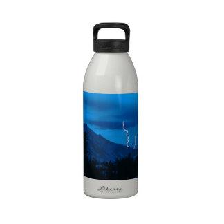 Clima tempestuoso Yosemite del cielo Botella De Agua Reutilizable