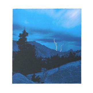 Clima tempestuoso Yosemite del cielo Blocs