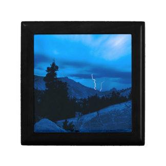 Clima tempestuoso Yosemite del cielo Caja De Joyas