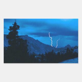 Clima tempestuoso Yosemite del cielo Rectangular Pegatinas