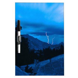 Clima tempestuoso Yosemite del cielo Tableros Blancos