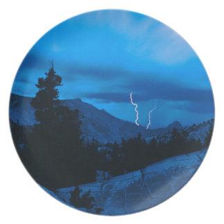 Clima tempestuoso Yosemite del cielo Platos De Comidas
