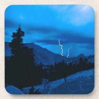 Clima tempestuoso Yosemite del cielo Posavaso