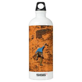 Climbing on Red Rocks SIGG Traveler 1.0L Water Bottle