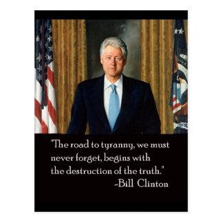 Clinton y verdad tarjeta postal