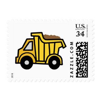 Clip art del dibujo animado con un camión volquete estampillas