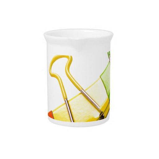 clips coloridos de la diversión jarras para bebida