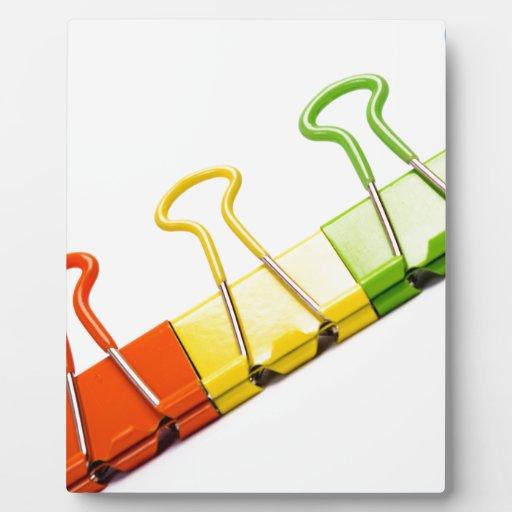 clips coloridos de la diversión placas de madera