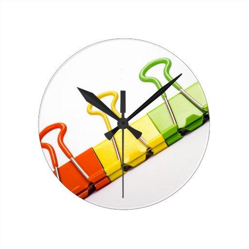 clips coloridos de la diversión relojes de pared