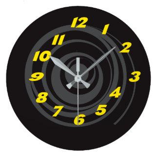 Clock of Wall Twist Design