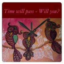 Clock with three owls