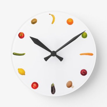 Vegetariansletlive Clock with vegetables and fruits
