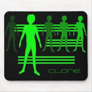 CLONE -alien Grn Mouse Pad