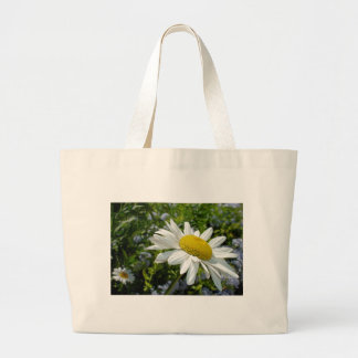 Close Up Common White Daisy With Garden Large Tote Bag