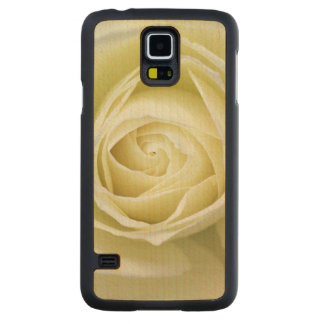 Close up details of white rose carved maple galaxy s5 slim case
