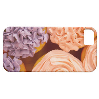 Close-up of frosted cupcakes iPhone SE/5/5s case