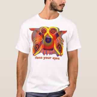 Close your eyes curious lion dog T-Shirt