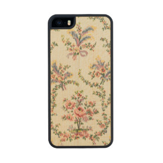 Cloth woven for Queen Marie Antoinette at the Pala Carved® Maple iPhone 5 Case