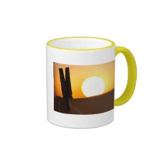 Clothes peg at sunrise ringer mug