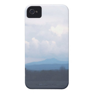 Cloud Hearts over Camel s Hump iPhone 4 Cases