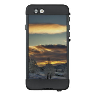 Cloudy Mothership LifeProof NÜÜD iPhone 6 Case