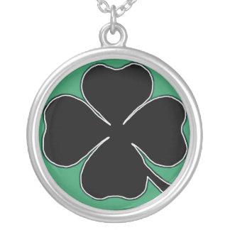 Clover Necklace (green)