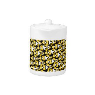 Clownfish Pattern on black Teapot