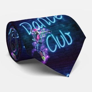 Club de baile con el bailarín y la corbata de la