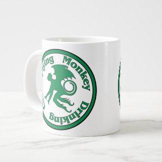 Club de consumición del mono del vuelo taza de café grande