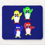 Club de fans de la tienda fría de los pingüinos alfombrillas de raton