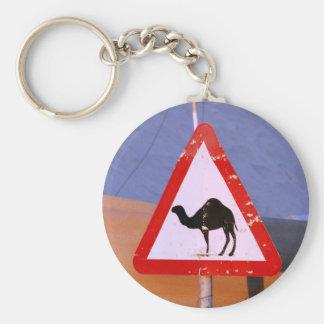 Club de la travesía del camello llavero redondo tipo pin