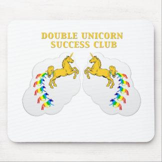 Club doble del éxito del unicornio alfombrilla de ratón