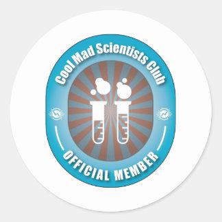 Club enojado fresco de los científicos pegatina redonda