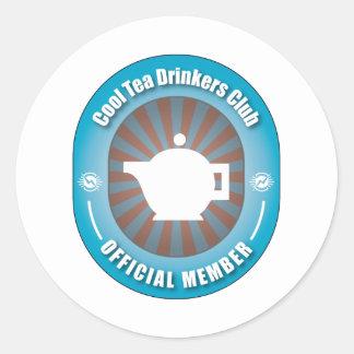 Club fresco de los bebedores del té pegatina redonda