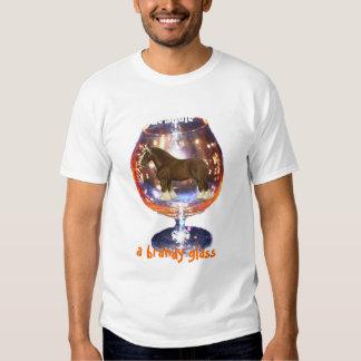 Clydesdale adentro, una camiseta del vidrio de poleras