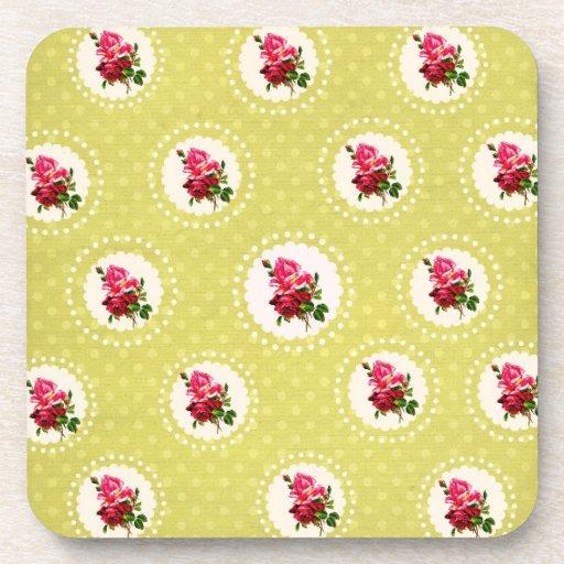 Coasters with hablas on roses green background posavasos de bebida