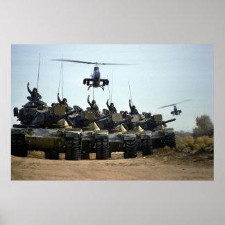 Cobras AH-1 y M60 Pattons Póster