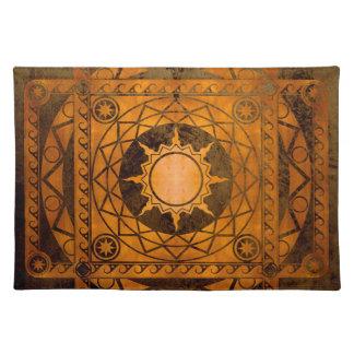 Cobre de la Atlántida de los artes en el bronce Manteles